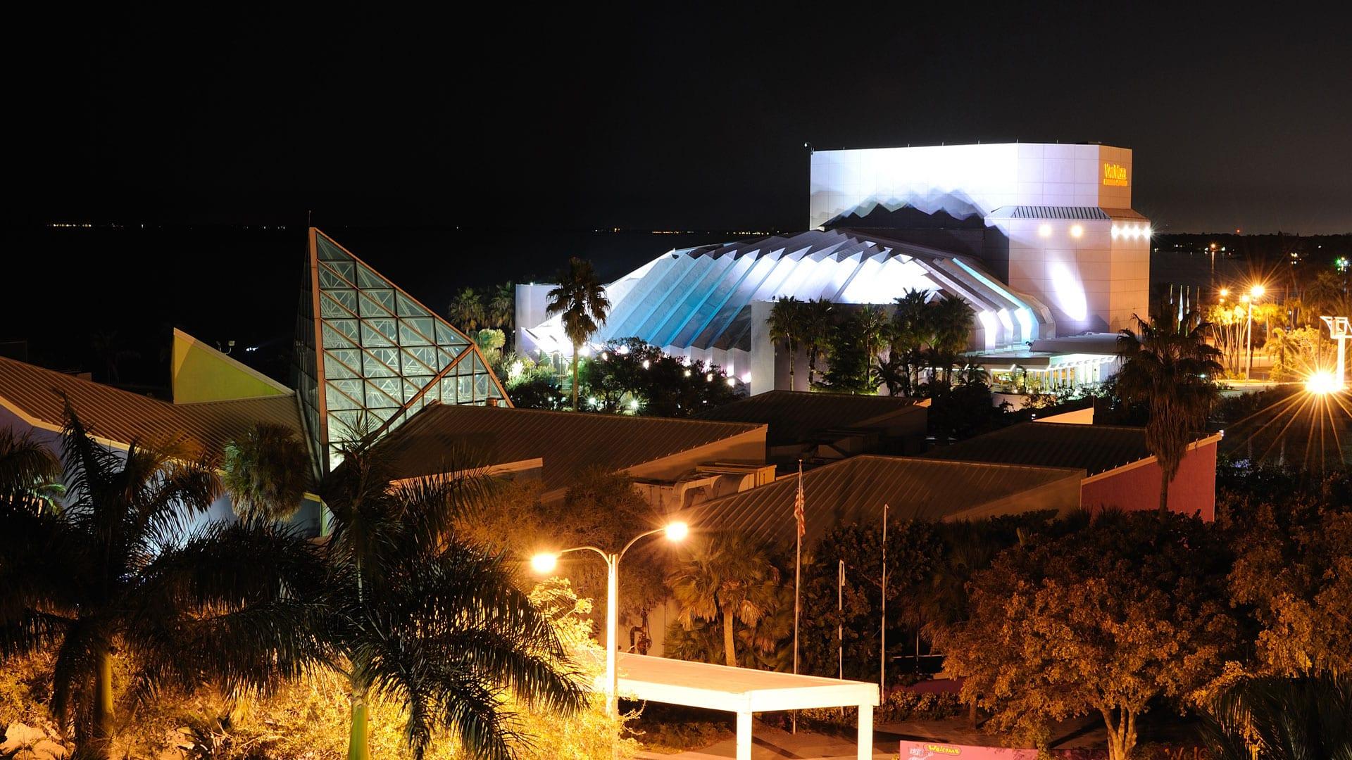 location-7-sarasota-museum-night