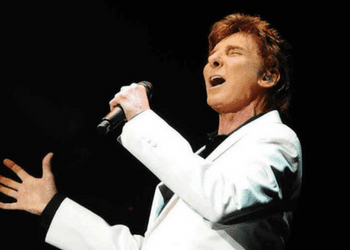 Barry Manilow Performs this Month at the Van Wezel BLVD SArasota