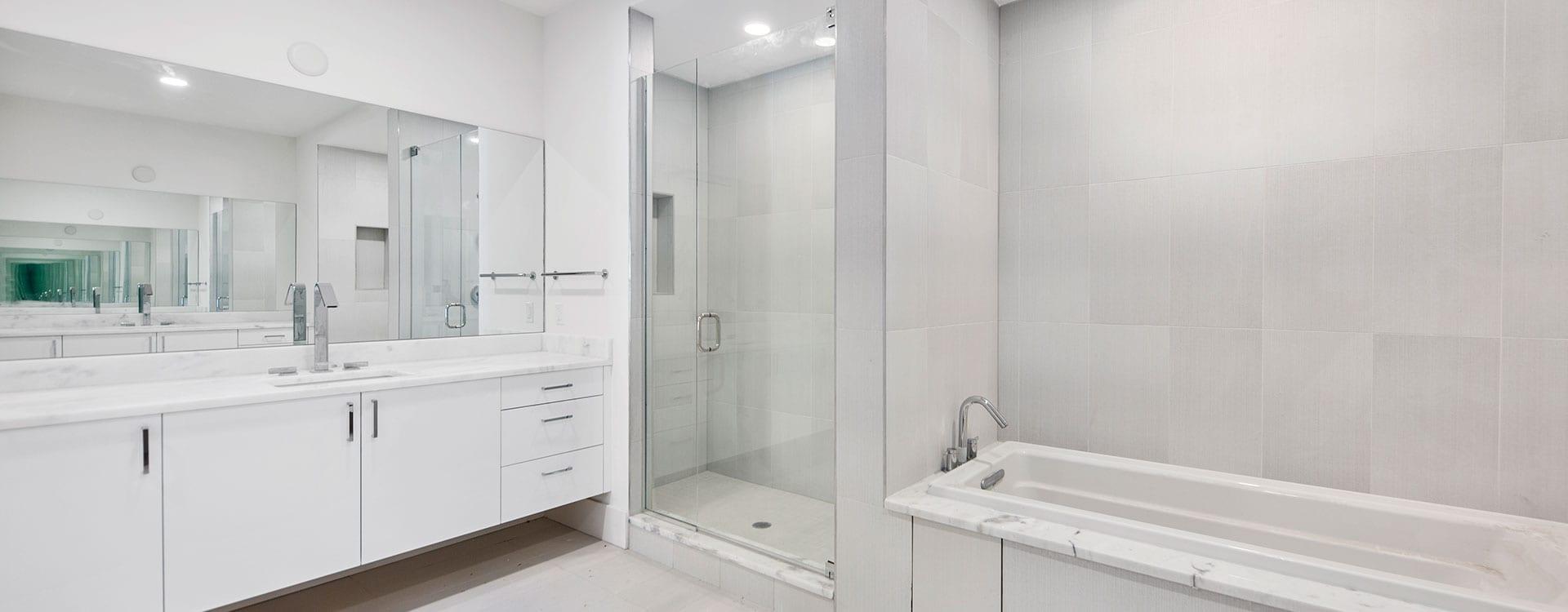 BLVD Sarasota Residence 1102 bathroom
