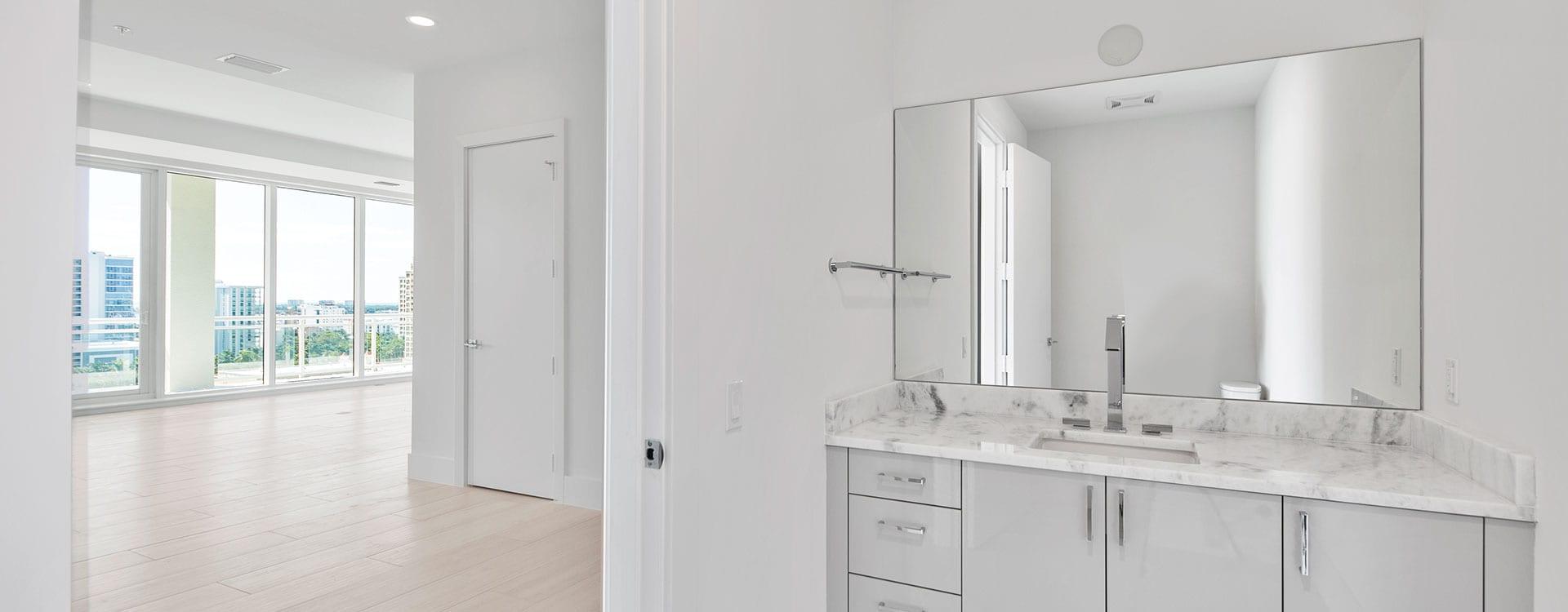 BLVD Residence 1204 Half Bath