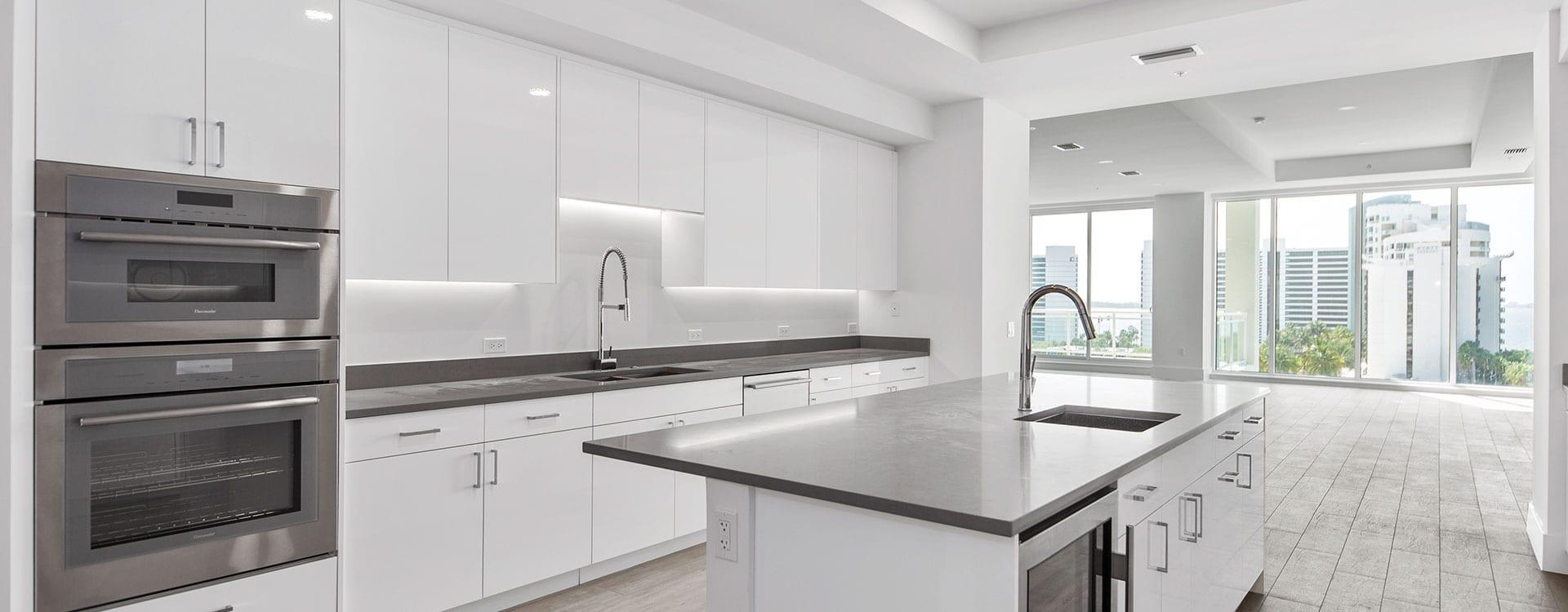 BLVD Sarasota Residence 803 Kitchen
