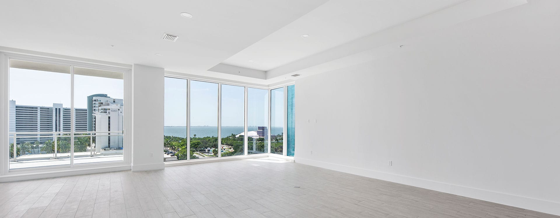 BLVD Sarasota Residence 803 Great Room with a v
