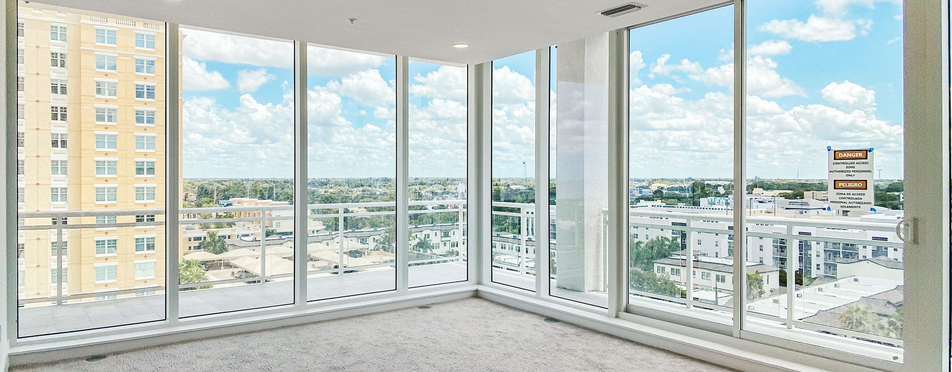 BLVD Sarasota Residence 901 Bedroom with a view of downtown