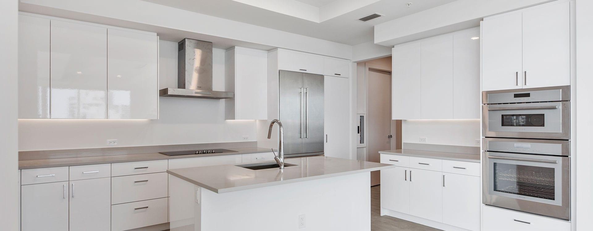 BLVD Sarasota Residence 901 Kitchen