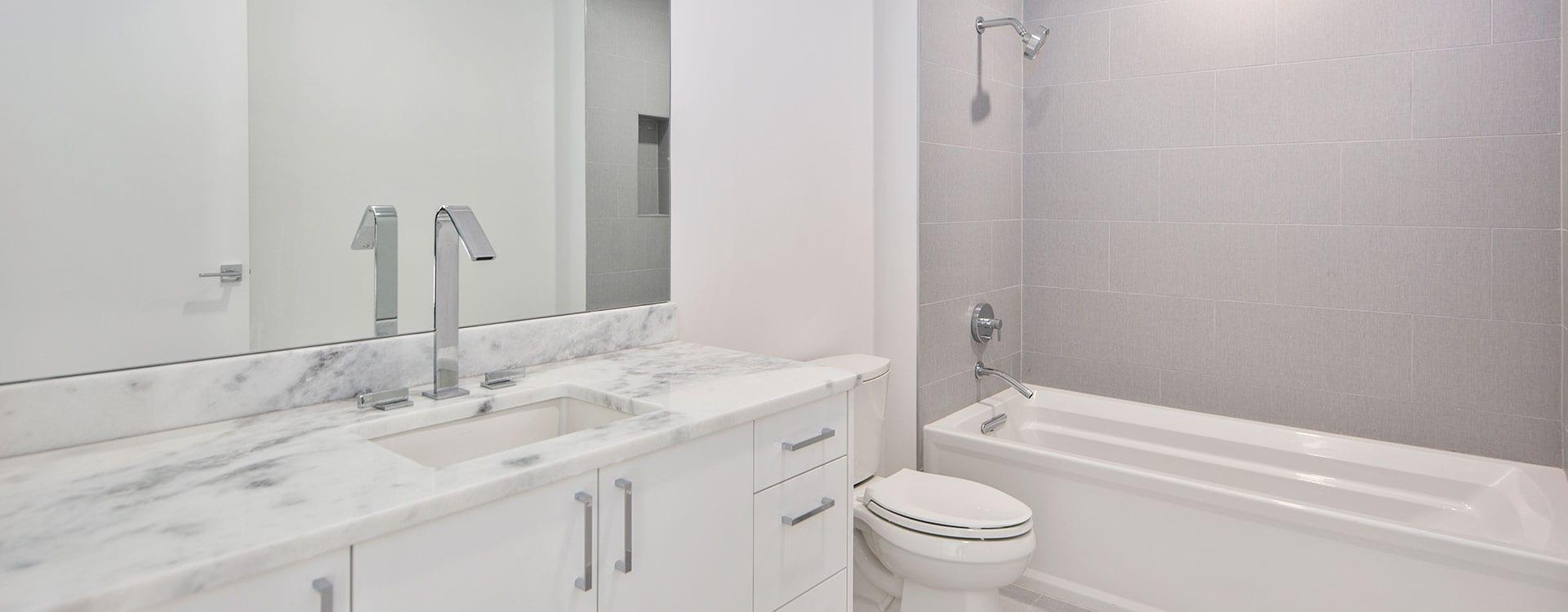 BLVD Residence 903 Bedroom bathroom
