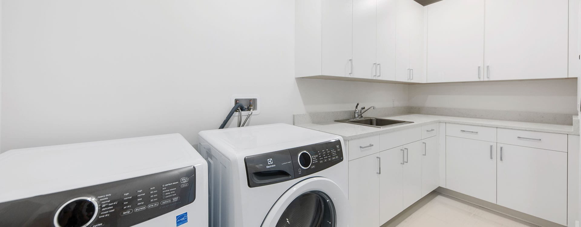 BLVD Residence 903 Laundry