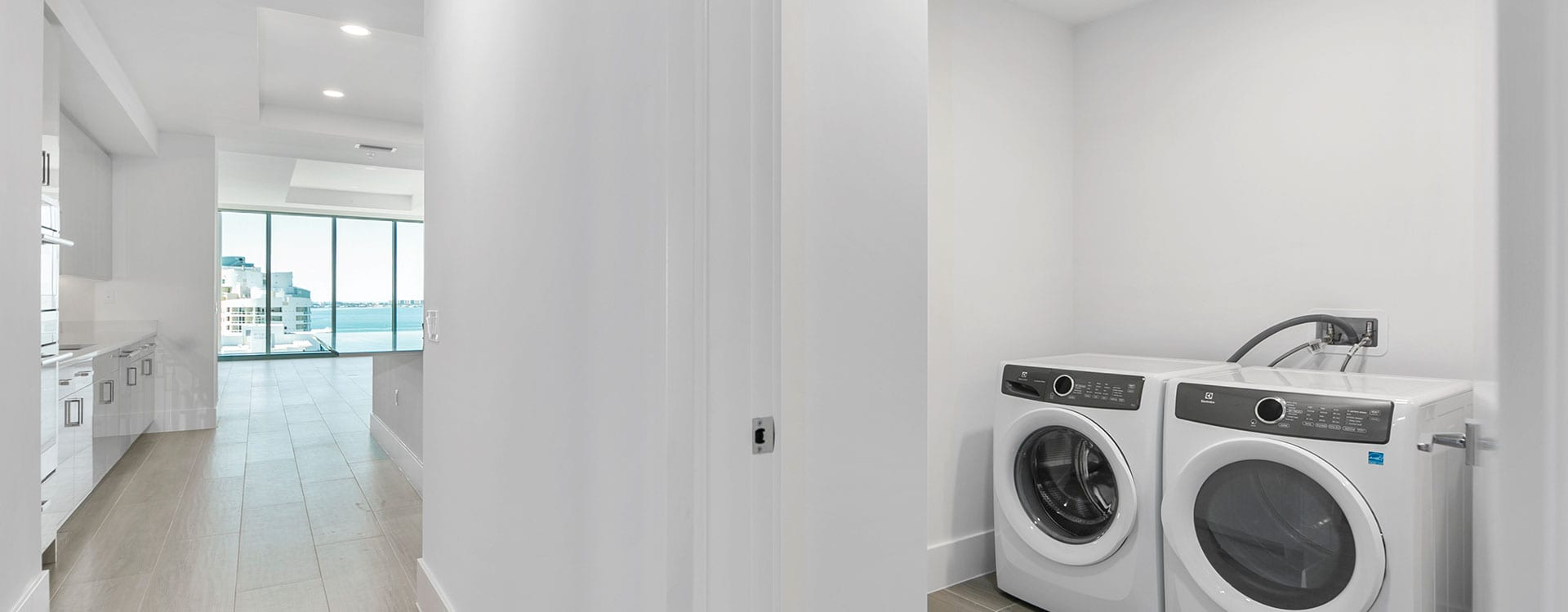 blvd sarasota residence 1503 laundry